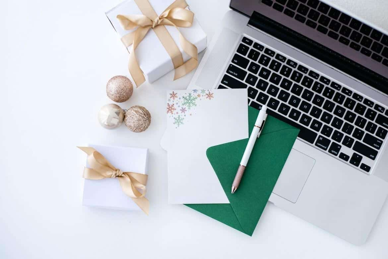 desktop scene gifts, christmas card pen and laptop